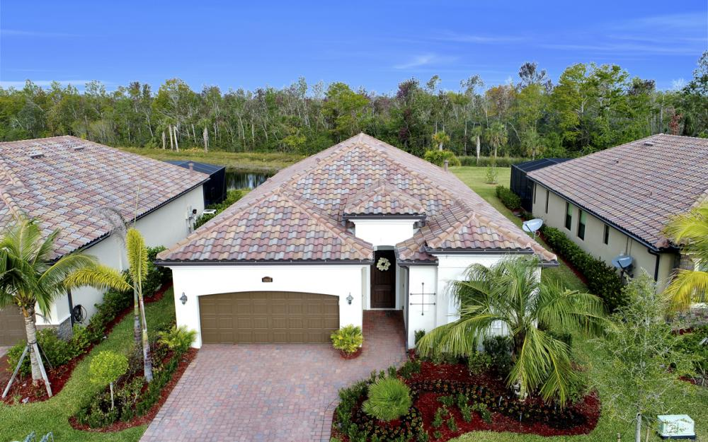 12655 Kinross Ln, Naples - Home For Sale 2125088326