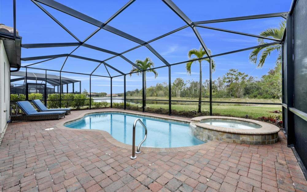 12655 Kinross Ln, Naples - Home For Sale 1049931109