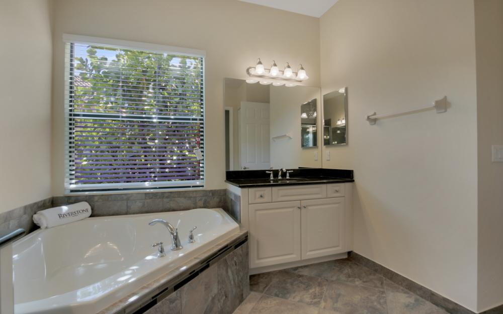 3525 Sungari Ct - Home For Sale in Naples 813776750