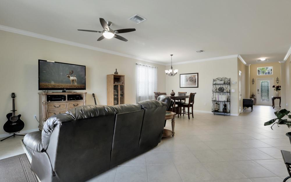 8654 Pegasus Dr, Lehigh Acres - Home For Sale 1235650360