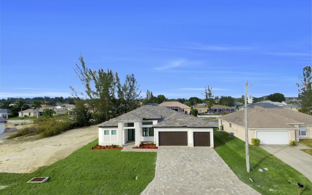 1217 SW 15th Terr, Cape Coral - Home For Sale 87998509