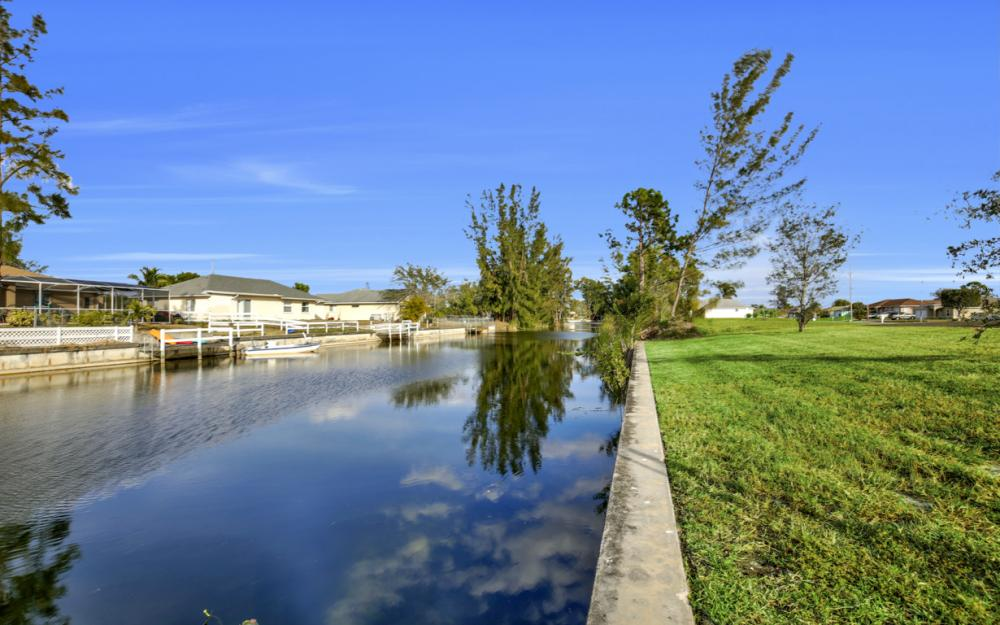 1217 SW 15th Terr, Cape Coral - Home For Sale 1167093342