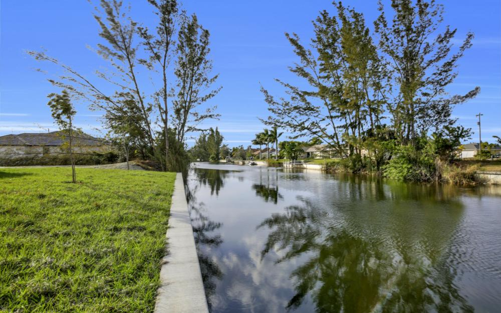1217 SW 15th Terr, Cape Coral - Home For Sale 854471488