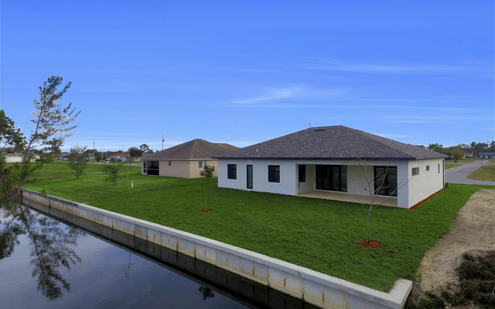 1217 SW 15th Terr, Cape Coral - Home For Sale 54400303