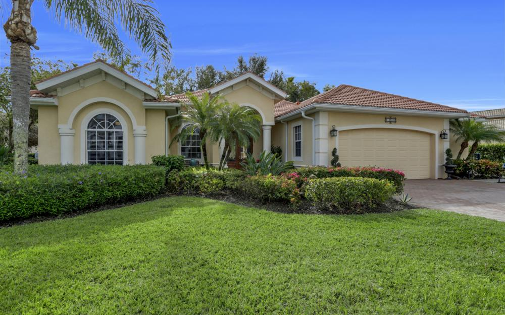 12860 Silverthorn Ct, Bonita Springs - Home For Sale 1246425168