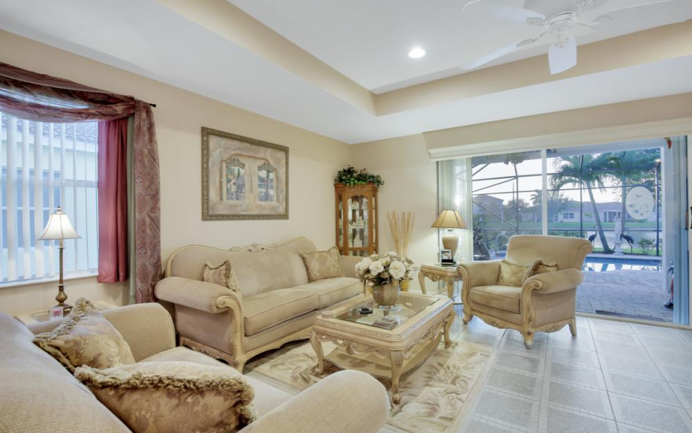 2662 Sunset Lake Dr, Cape Coral - Home For Sale 1858113311