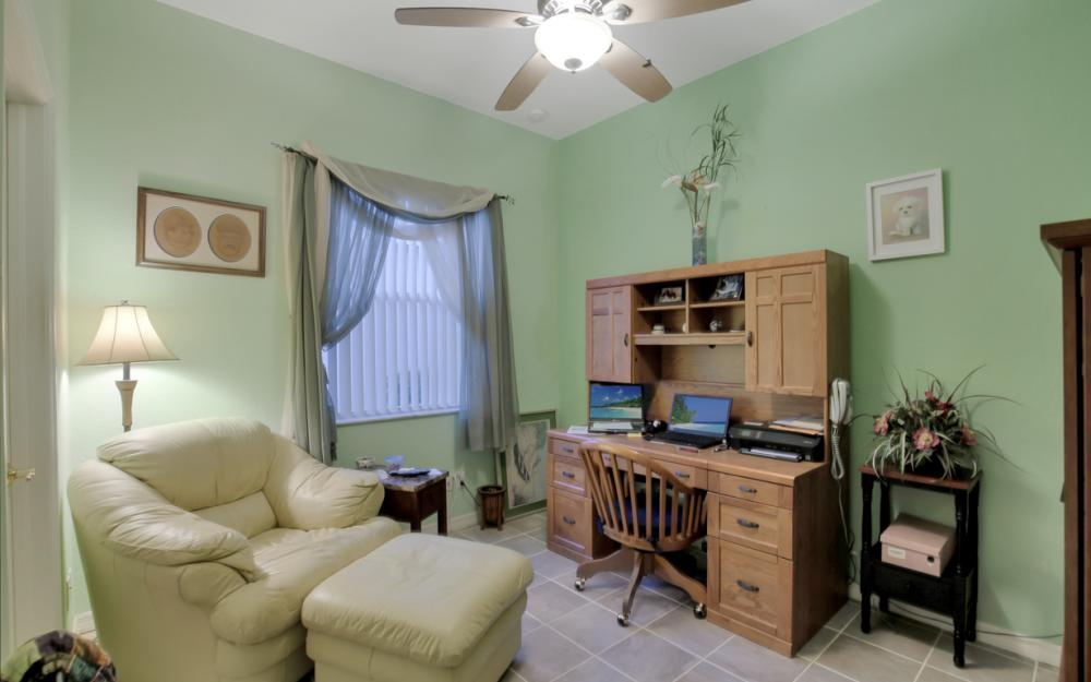 2662 Sunset Lake Dr, Cape Coral - Home For Sale 1995790926