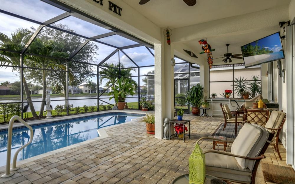 2662 Sunset Lake Dr, Cape Coral - Home For Sale 91417368