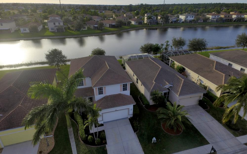 2662 Sunset Lake Dr, Cape Coral - Home For Sale 1540906373