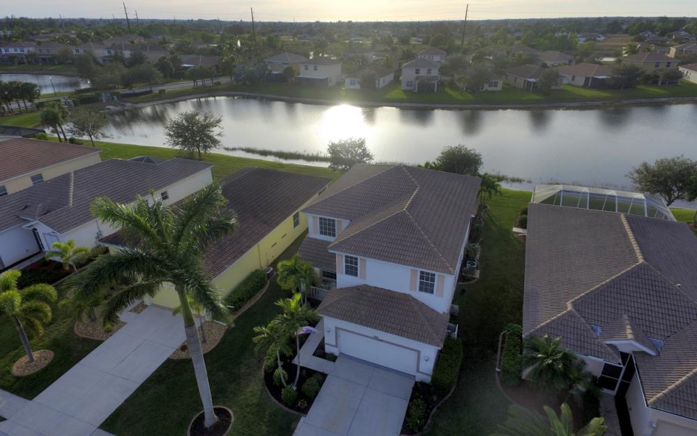 2662 Sunset Lake Dr, Cape Coral - Home For Sale 1336945018