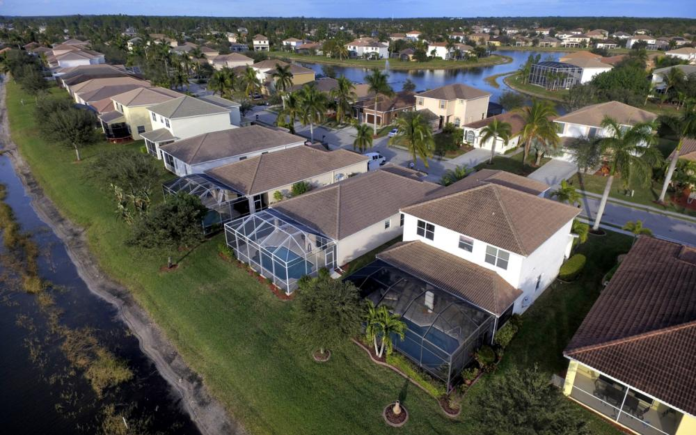 2662 Sunset Lake Dr, Cape Coral - Home For Sale 1038557394