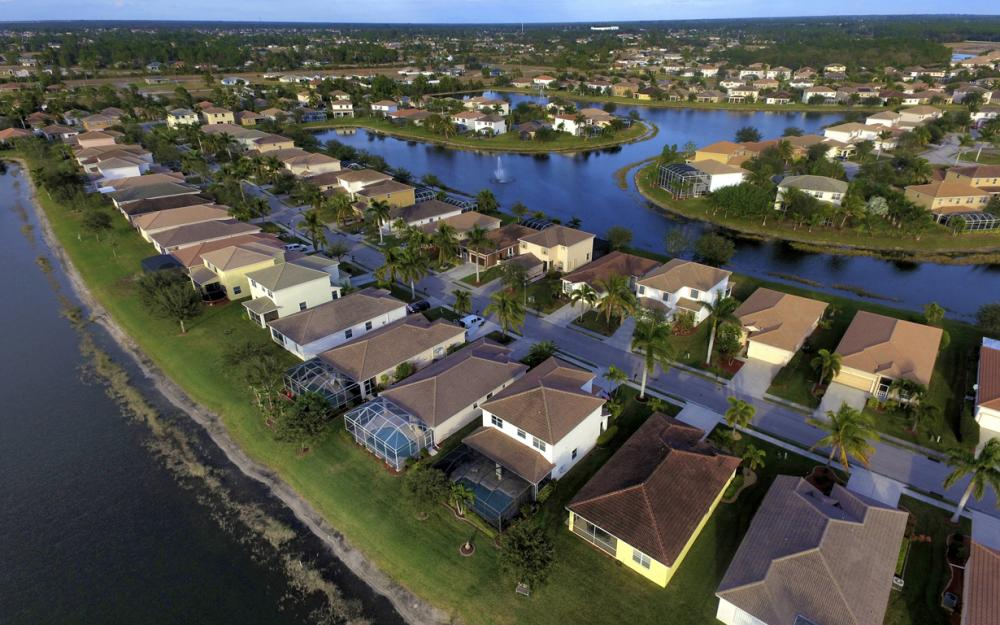 2662 Sunset Lake Dr, Cape Coral - Home For Sale 647438439