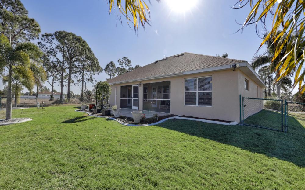 1623 NW 29th Ter, Cape Coral - Home For Sale 279113876