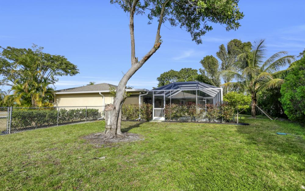 510 SE 31st St, Cape Coral - Home For Sale 725705411