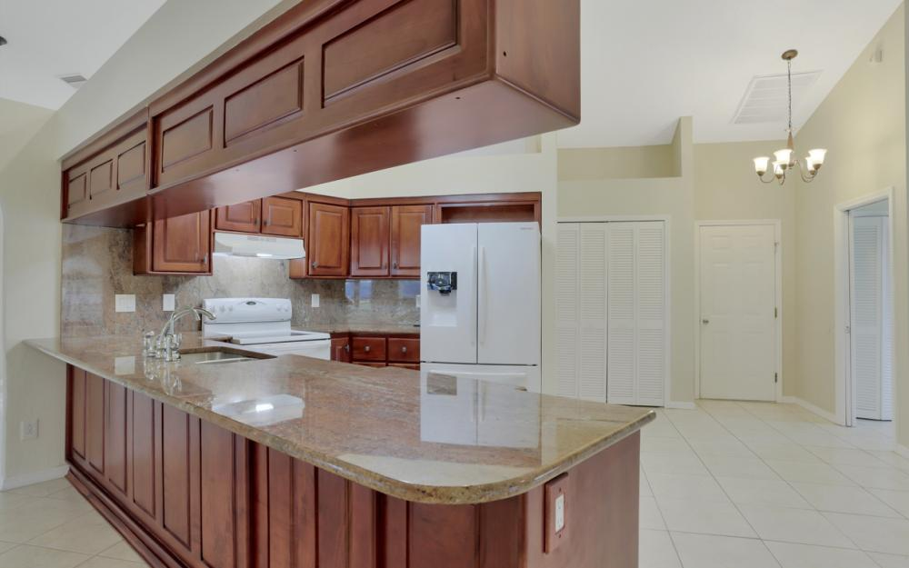 4810 Triton Ct W, Cape Coral - Home For Sale 407673071