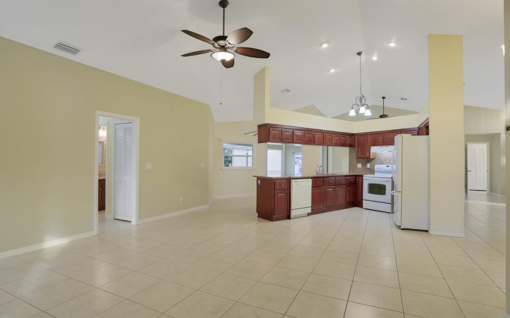 4810 Triton Ct W, Cape Coral - Home For Sale 1985327314