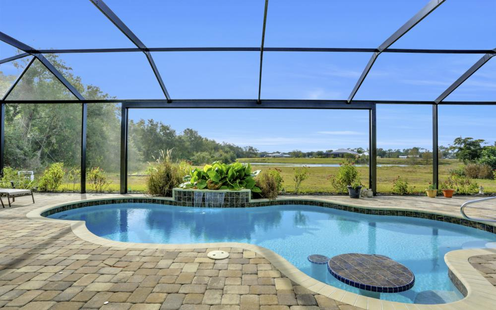 12472 Limeston Ct, Fort Myers - Home For Sale 84380301