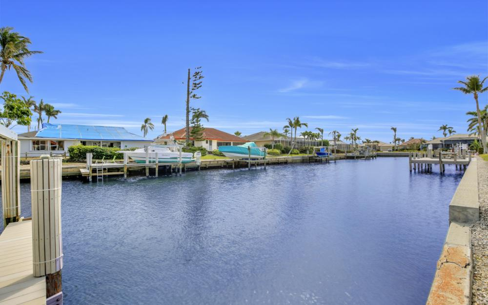 1853 Apataky Ct, Marco Island - Home For Sale 1081018308