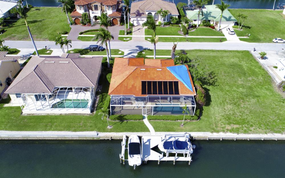 1853 Apataky Ct, Marco Island - Home For Sale 1217003812