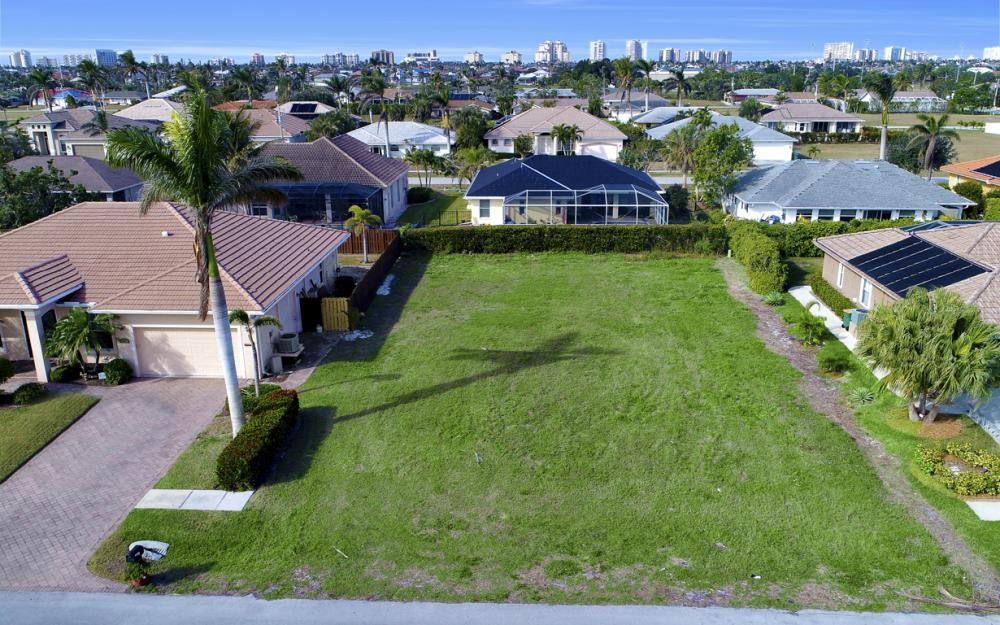 350 Hazelcrest St, Marco Island - Lot For Sale 1095980322