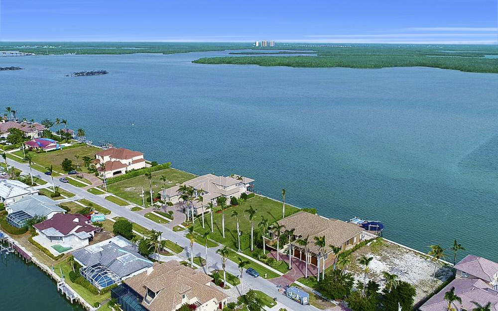 257 Polynesia Ct, Marco Island - Lot For Sale 1515157782