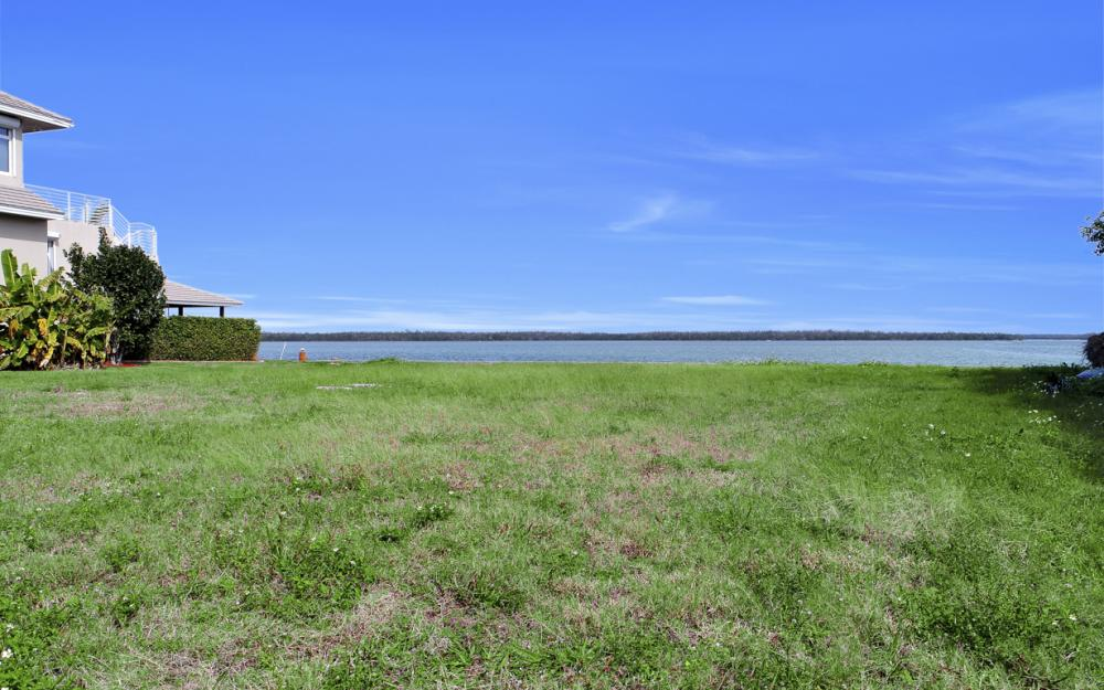 257 Polynesia Ct, Marco Island - Lot For Sale 798652997