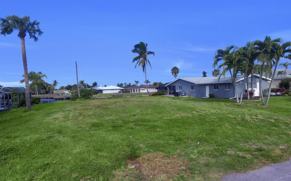 5042 Saxony Ct, Cape Coral - Lot For Sale 1425425344