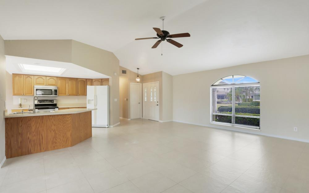 451 Barcelona Ct, Marco Island - House For Sale 406940376