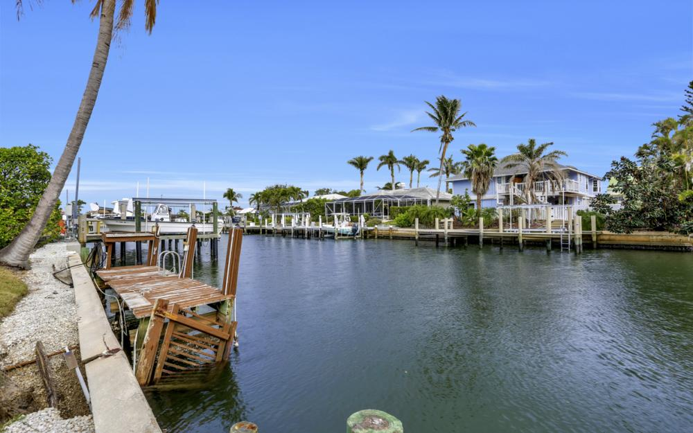 451 Barcelona Ct, Marco Island - House For Sale 1373765783