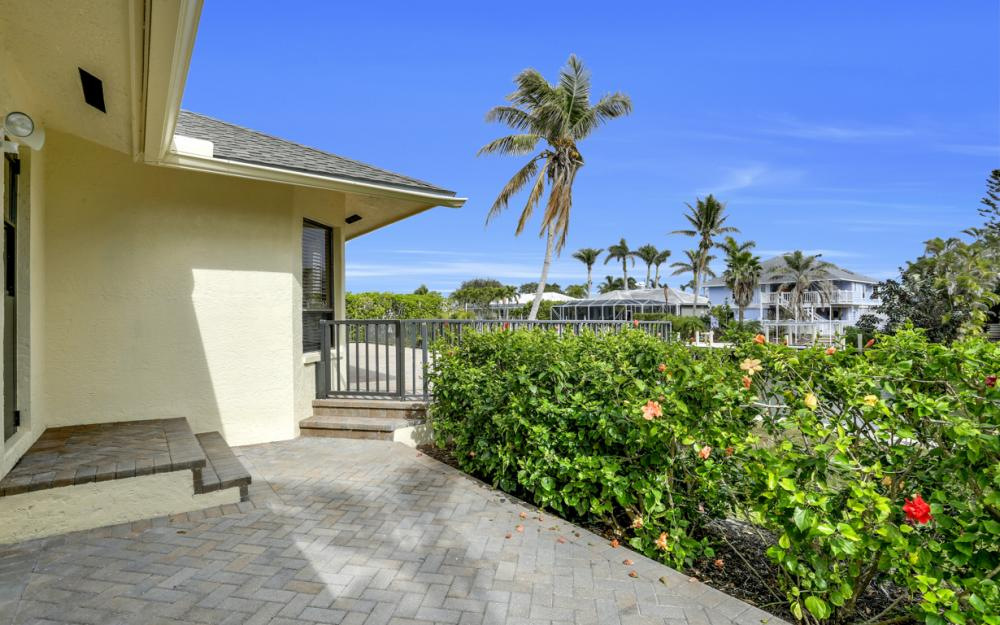 451 Barcelona Ct, Marco Island - House For Sale 1130597641