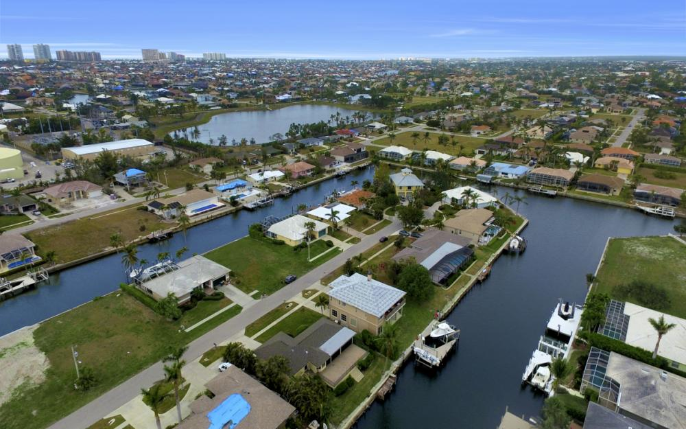 451 Barcelona Ct, Marco Island - House For Sale 1255339454
