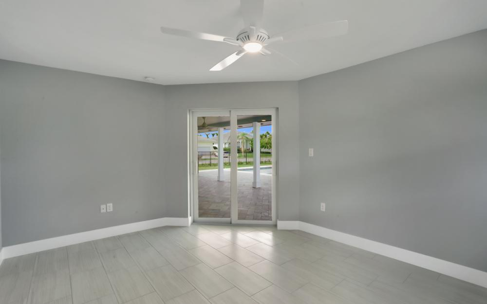 601 Hernando Dr, Marco Island - Home For Sale 2038373211
