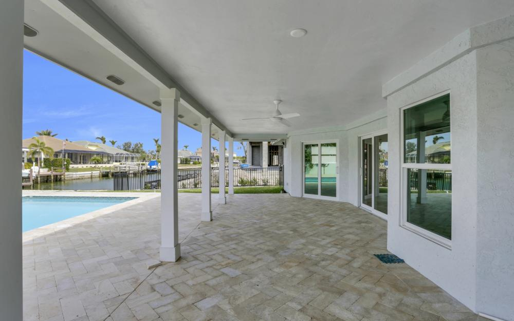601 Hernando Dr, Marco Island - Home For Sale 657782702