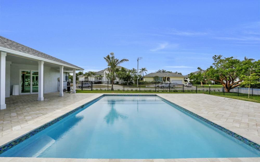 601 Hernando Dr, Marco Island - Home For Sale 259043220