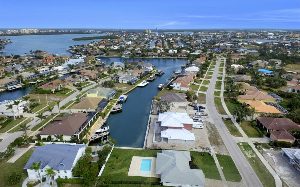 601 Hernando Dr, Marco Island - Home For Sale 1767702404