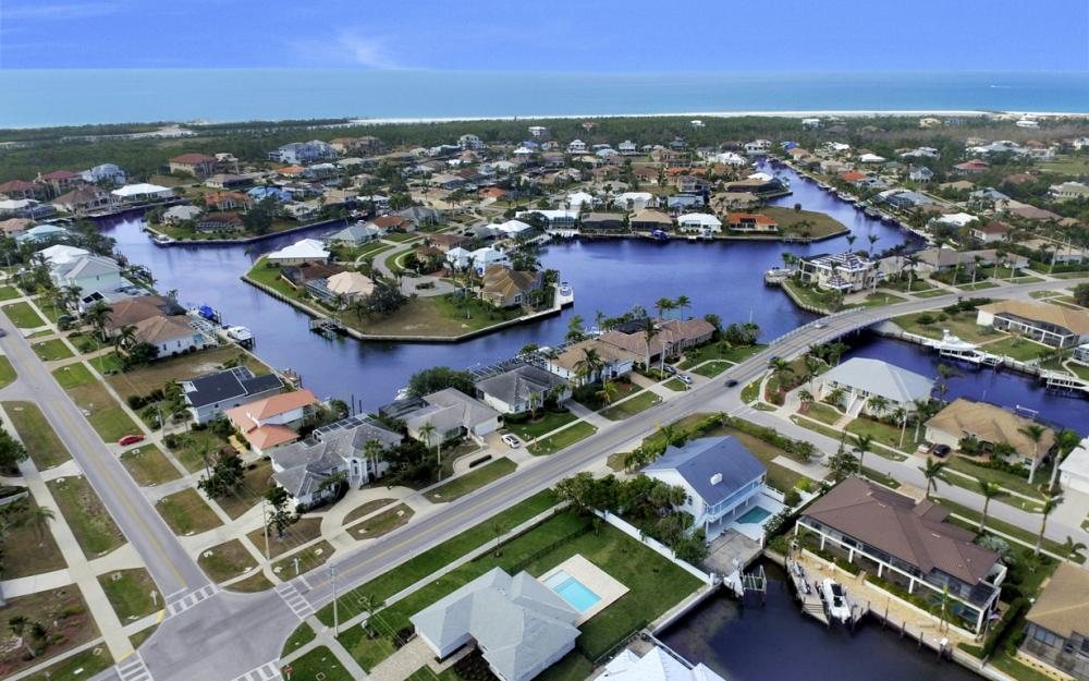 601 Hernando Dr, Marco Island - Home For Sale 1980609708