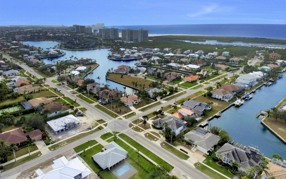 601 Hernando Dr, Marco Island - Home For Sale 455450244