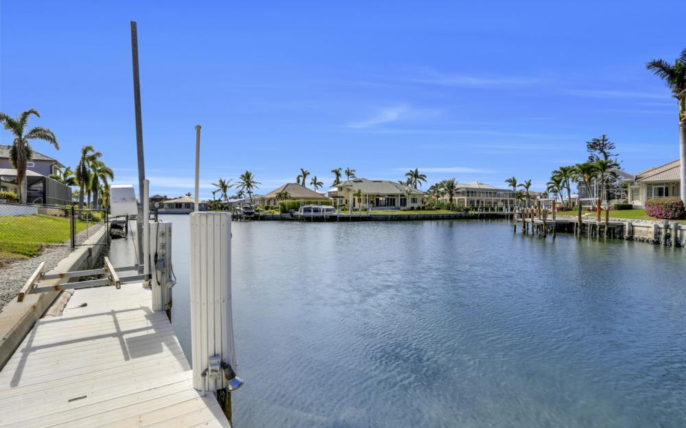 268 Capistrano Ct, Marco Island - Home For Sale 814755552