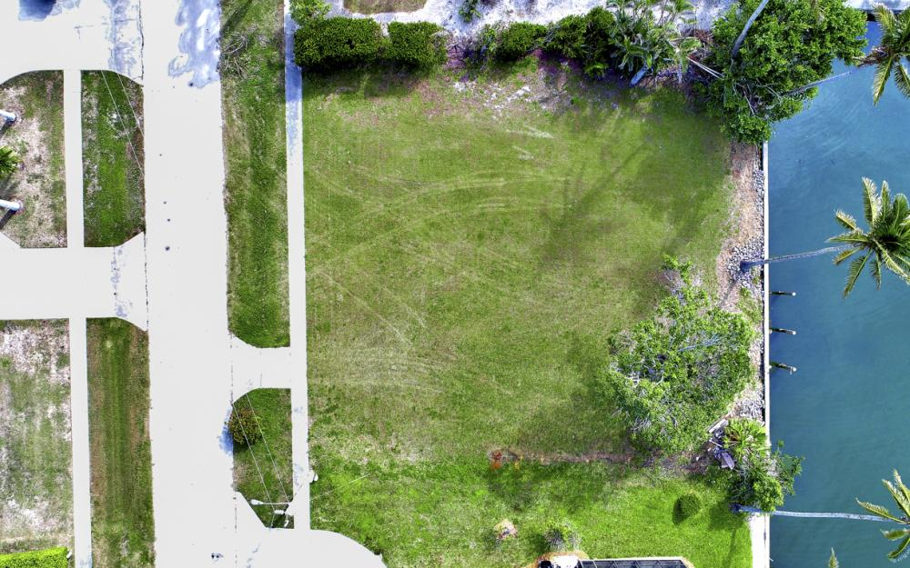 910 Iris Ct, Marco Island - Lot For Sale 1101495488