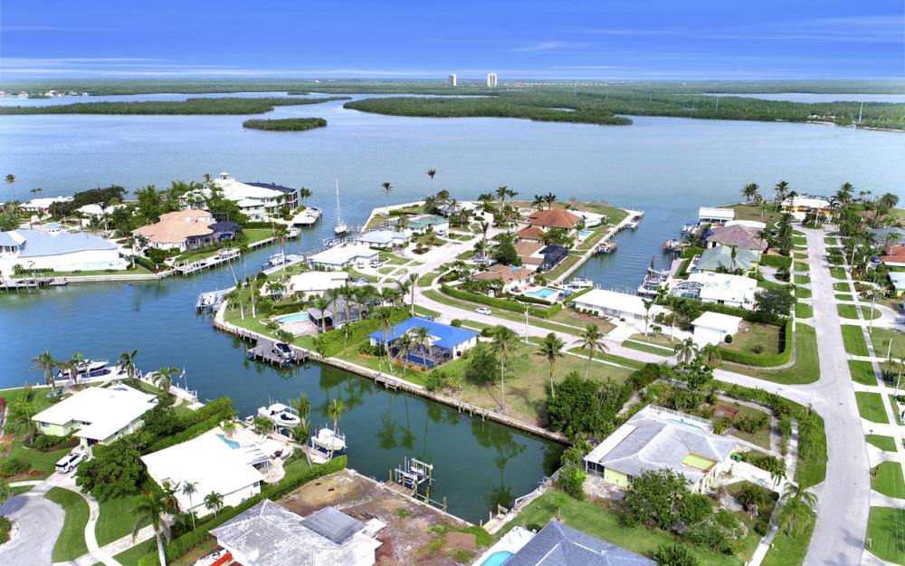 910 Iris Ct, Marco Island - Lot For Sale 2017533961