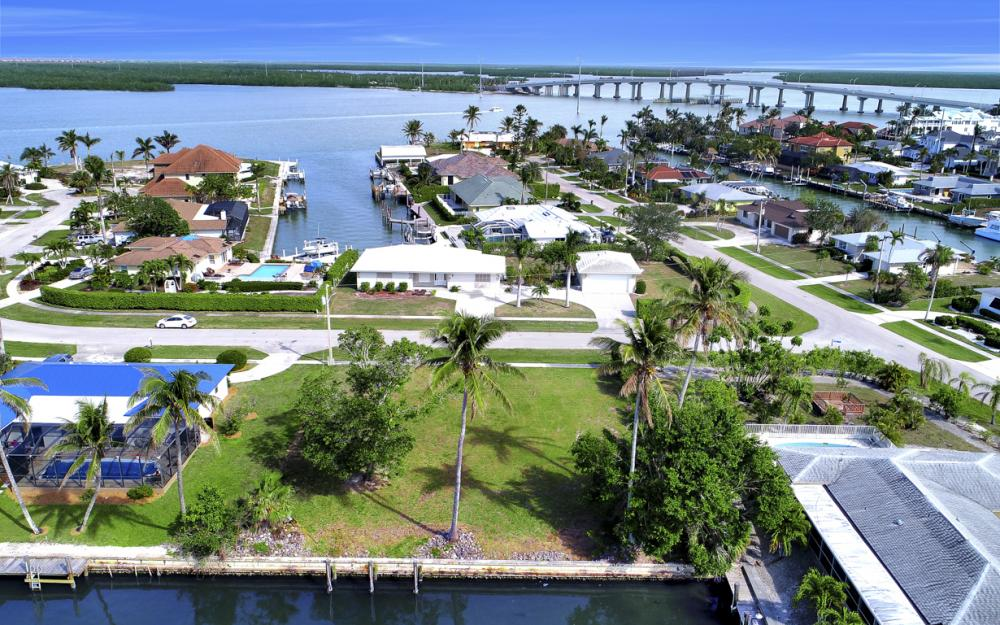 910 Iris Ct, Marco Island - Lot For Sale 299091897