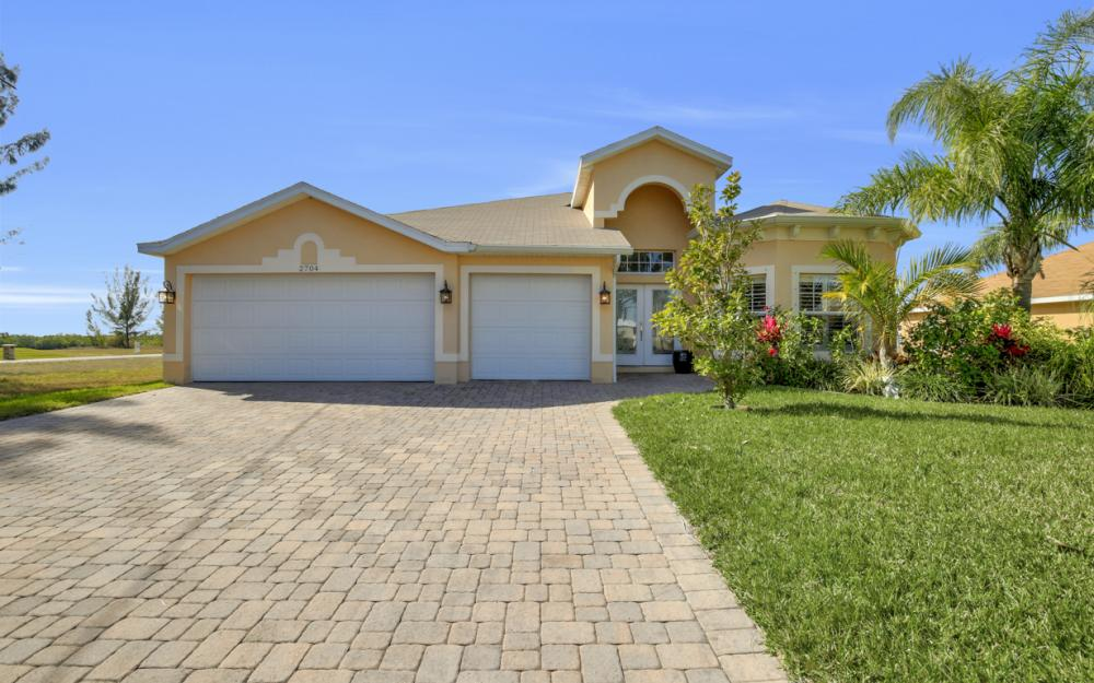 2704 NW 45th Pl, Cape Coral - Home For Sale 1170379448