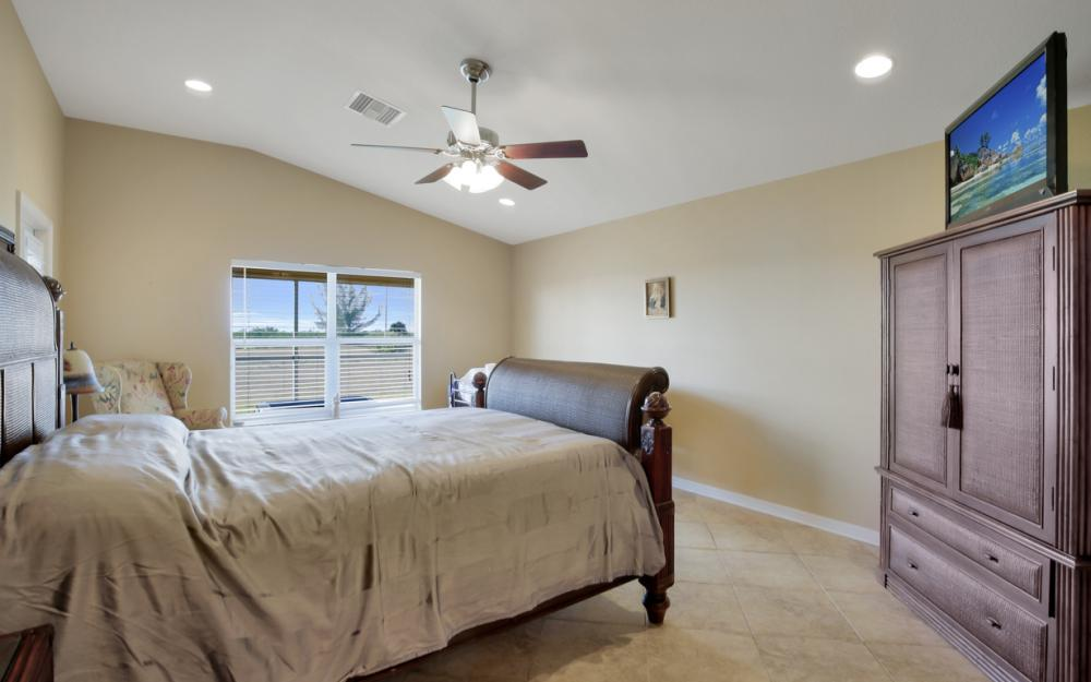 2704 NW 45th Pl, Cape Coral - Home For Sale 207039338
