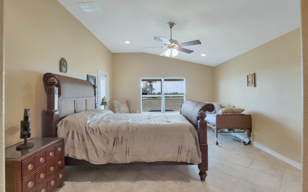 2704 NW 45th Pl, Cape Coral - Home For Sale 1172304372