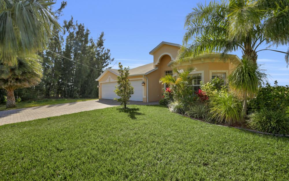 2704 NW 45th Pl, Cape Coral - Home For Sale 1142120754