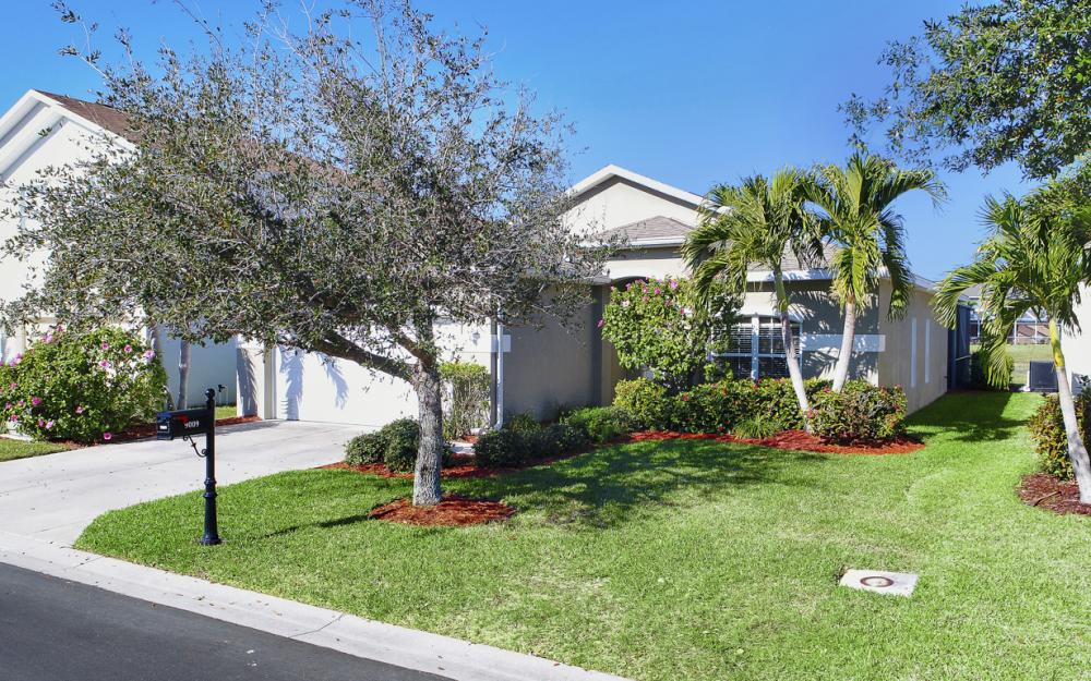 9009 Falcon Pointe Loop, Fort Myers, FL 33912 2003933716