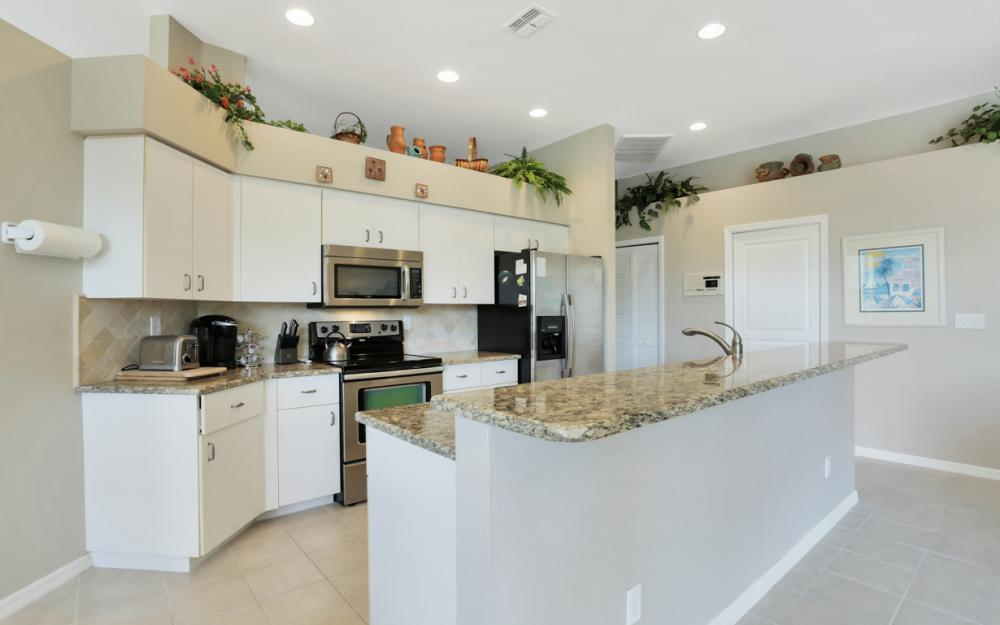 25141 Bay Cedar Dr, Bonita Springs - Home For Sale 501824744