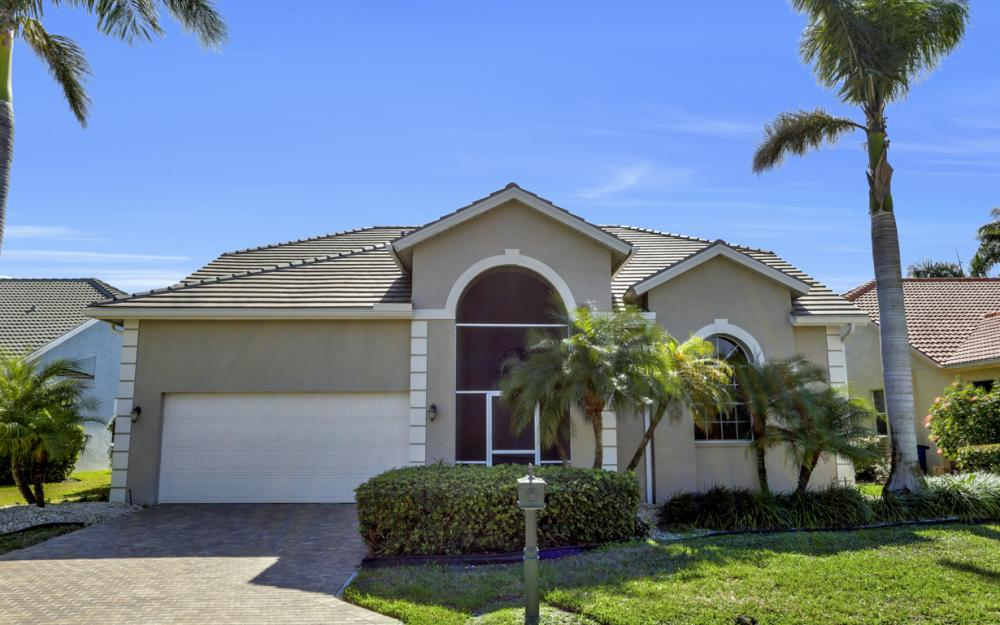 25141 Bay Cedar Dr, Bonita Springs - Home For Sale 83409031