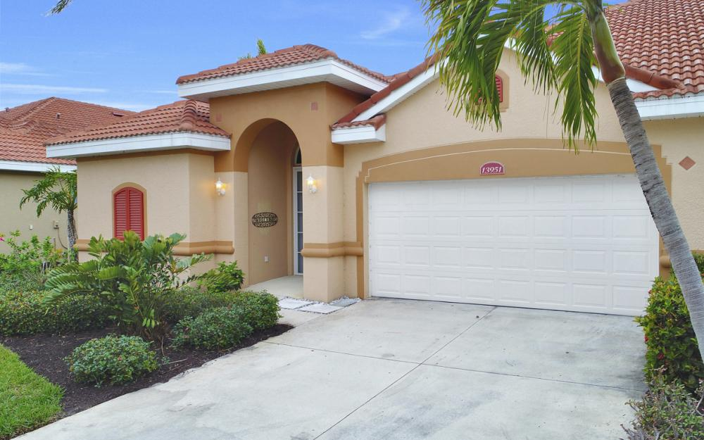 13951 Bently Cir, Fort Myers - Home For Sale 1919179361