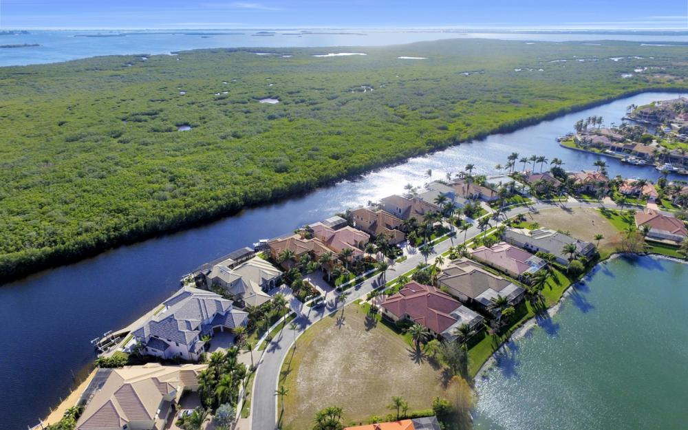 5814 Harbour Cir, Cape Coral - Lot For Sale 980417517